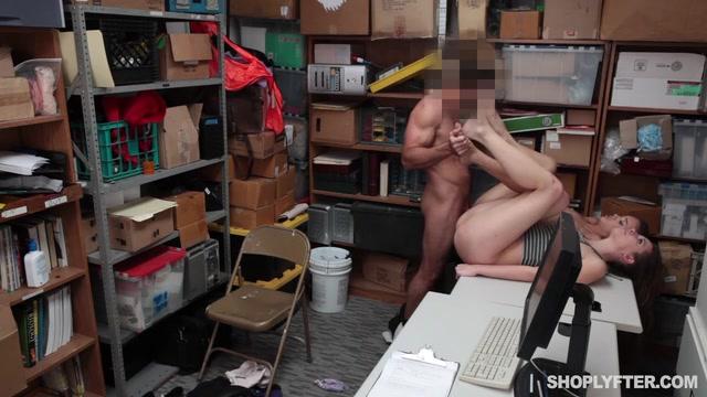 Порно видео охраник