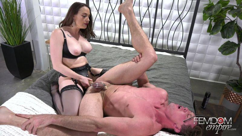 porno-video-gospozha-strapon